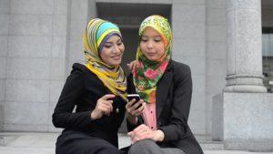 how to wear a pashmina shawl